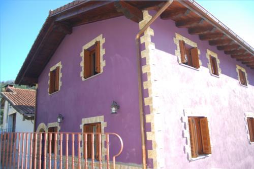 fachada 1 agroturismo Olagi en Gipuzkoa