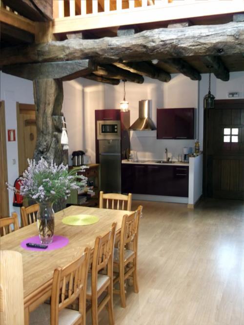 cocina casa rural troya en gipuzkoa