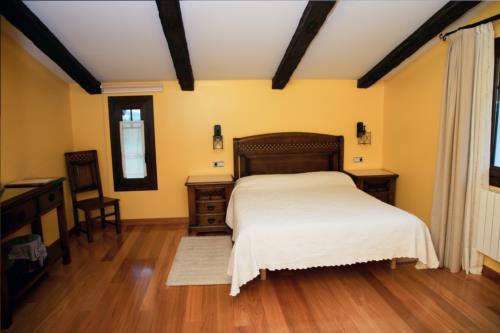 habitación doble 1 agroturismo lezamako exte en Vizcaya