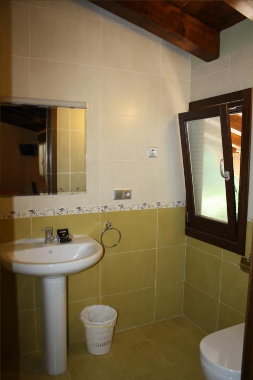 baño casa rural otxoenea en gipuzkoa