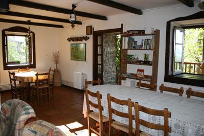 dining room farm house amalau in Bizkaia