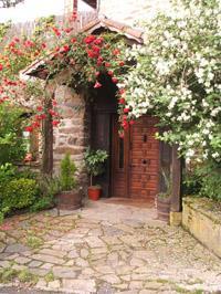 entrance farm house amalau in Bizkaia