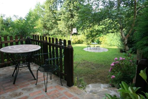 garden 1 farm house amalau in Bizkaia