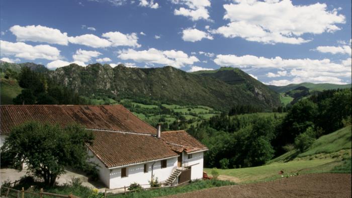 fachada agroturismo Aldarreta en Gipuzkoa