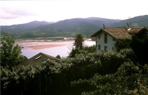 paisaje casa rural Ugalde Barri en Bizkaia