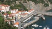 http://turismo.euskadi.eus/es/puertos-pesqueros/puerto-de-elantxobe/aa30-12375/es/