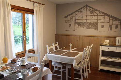 dining room country house ozollo in Bizkaia