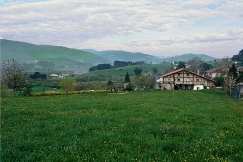 paisaje 3 casa rural Ozollo en Bizkaia