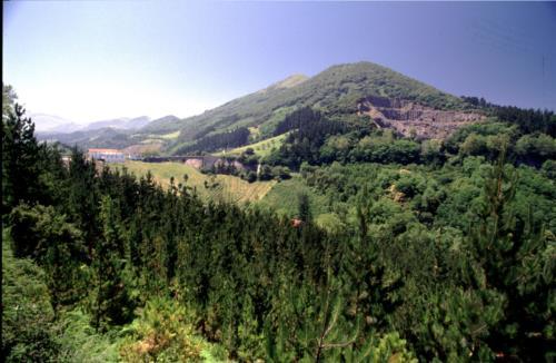 landscape farm house santuaran bekoa in Gipuzkoa