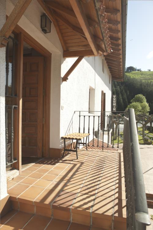 terrace farm house santuaran bekoa in Gipuzkoa