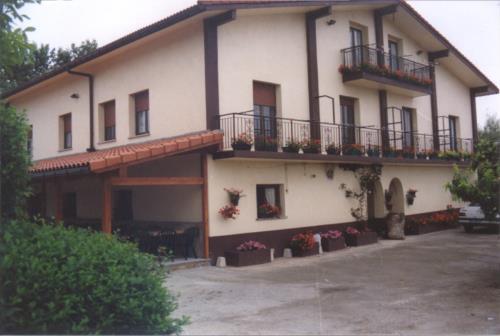 fachada 1 agroturismo Agote aundi en Gipuzkoa