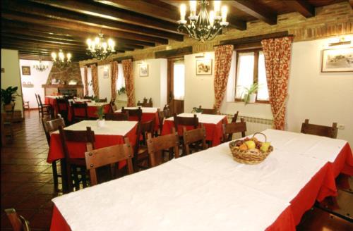 dining room farm house adela etxea in Alava