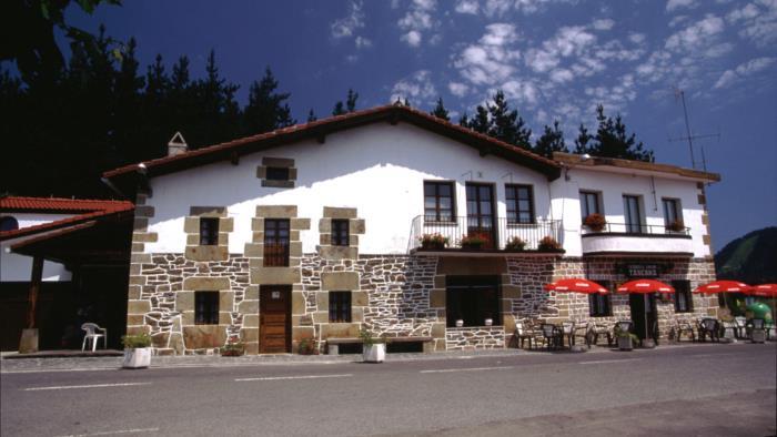fachada casa rural trabaku goiko en Vizcaya