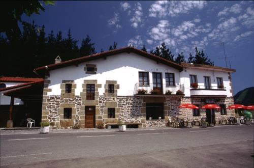 fachada 1 casa rural trabaku goiko en Vizcaya