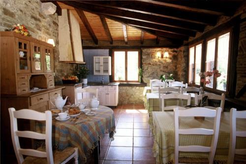 dining room farm house aristieta in Bizkaia