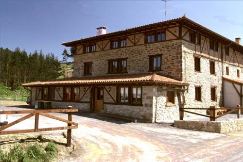 facade farm house aristieta in Bizkaia