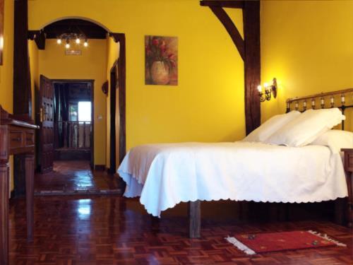 habitación doble casa rural sagasti zahar en Alava