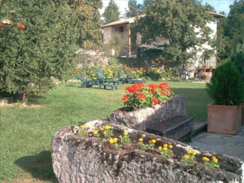 jardín casa rural sagasti zahar en Alava