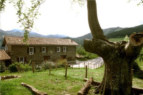 facade 1 country house makaztui in Bizkaia