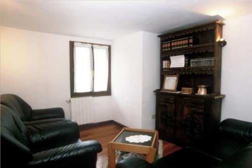 living room country house makaztui in Bizkaia