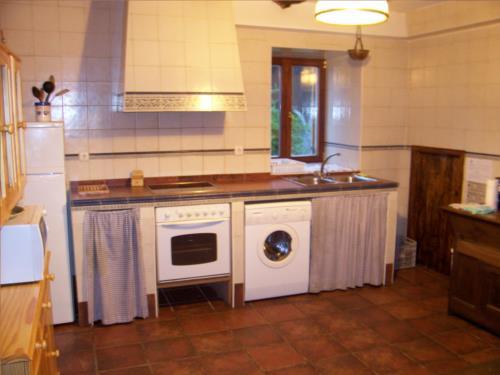 cocina casa rural altzuste en Vizcaya
