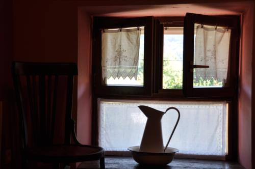window country house altzuste in Bizkaia
