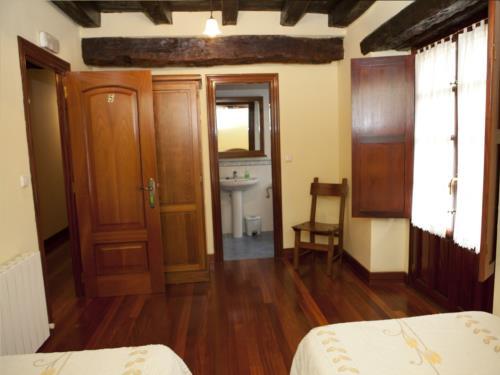 double room 12 country house goikoetxe in Bizkaia