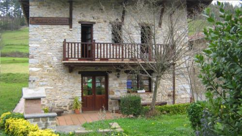 facade 2 country house goikoetxe in Bizkaia
