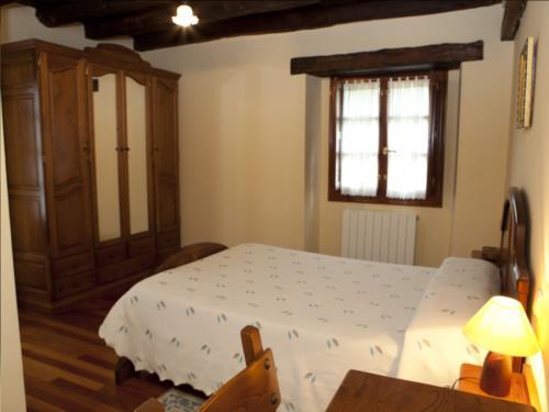 habitación doble 9 casa rural goikoetxe en Vizcaya