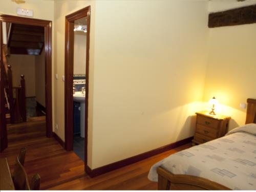 habitación doble 3 casa rural goikoetxe en Vizcaya