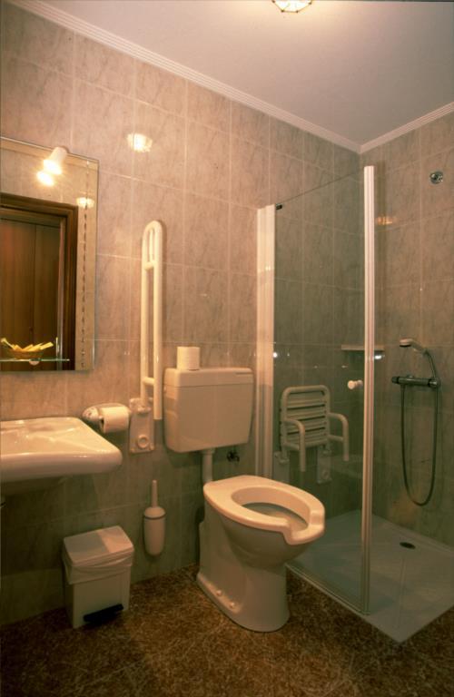 bathroom farm house etxebarri in Alava