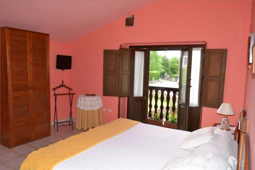 double room 1 farm house gorbea bide in Alava