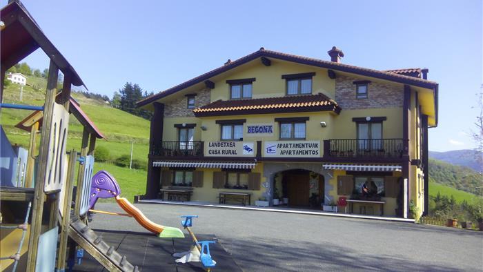 fachada casa rural begoña en gipuzkoa