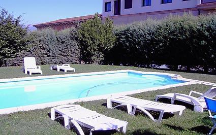 piscina 1 agroturismo señorío de las viñas en Alava