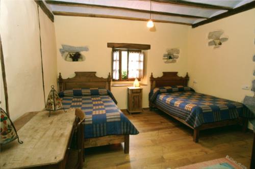 habitación doble casa rural etxeberri en gipuzkoa