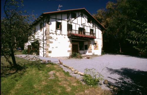 facade country house endara in Gipuzkoa