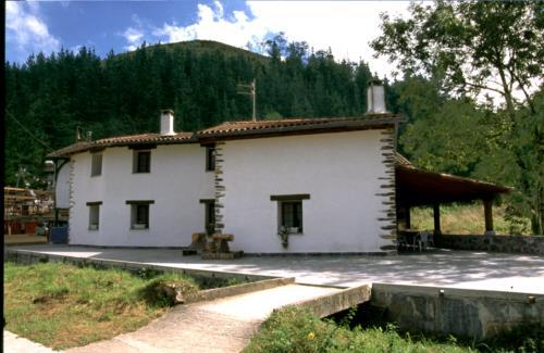 facade country house eleizondo in Gipuzkoa