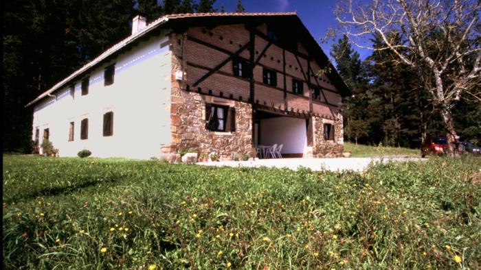 fachada casa rural astorki goikoa en Vizcaya