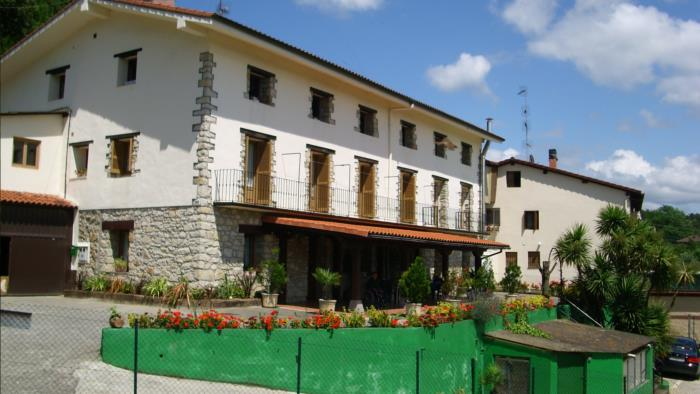 fachada agroturismo Laskin-Enea en Gipuzkoa