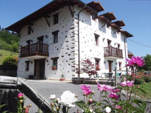 facade 1 country house madariaga in Bizkaia