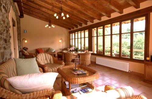 living room country house madariaga in Bizkaia