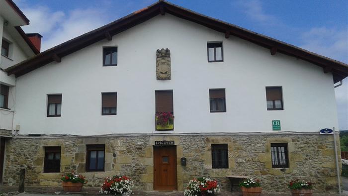 Fachada casa rural Irigoien en Gipuzkoa