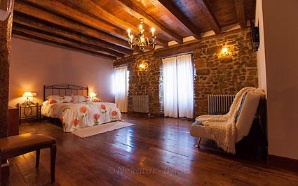 Habitación doble 2 casa rural Irigoien en Gipuzkoa