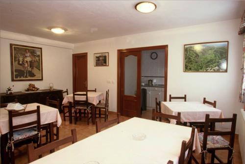 dining room farm house artiketxe in Bizkaia