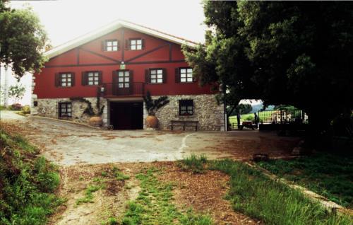 fachada 1 casa rural kurtxia en Vizcaya