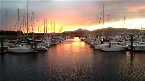 Puerto deportivo  (Hondarribia)