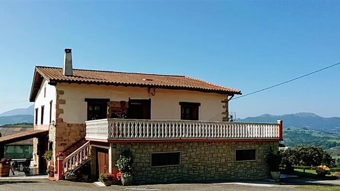 fachada casa rural A.Berri en Gipuzkoa