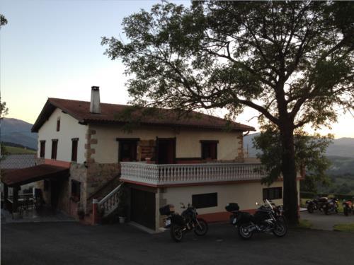 fachada 1 casa rural A.Berri en Gipuzkoa