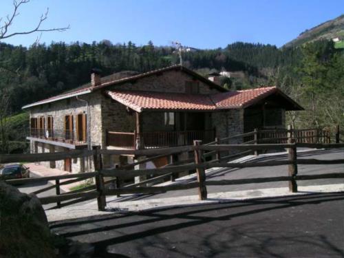 facade farm house zulueta in Gipuzkoa