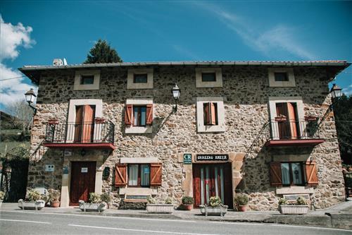 Urrezko Ametsa Rural House Facade in Bizkaia